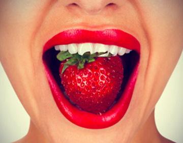 las fresas aliadas para tu salud bucodental
